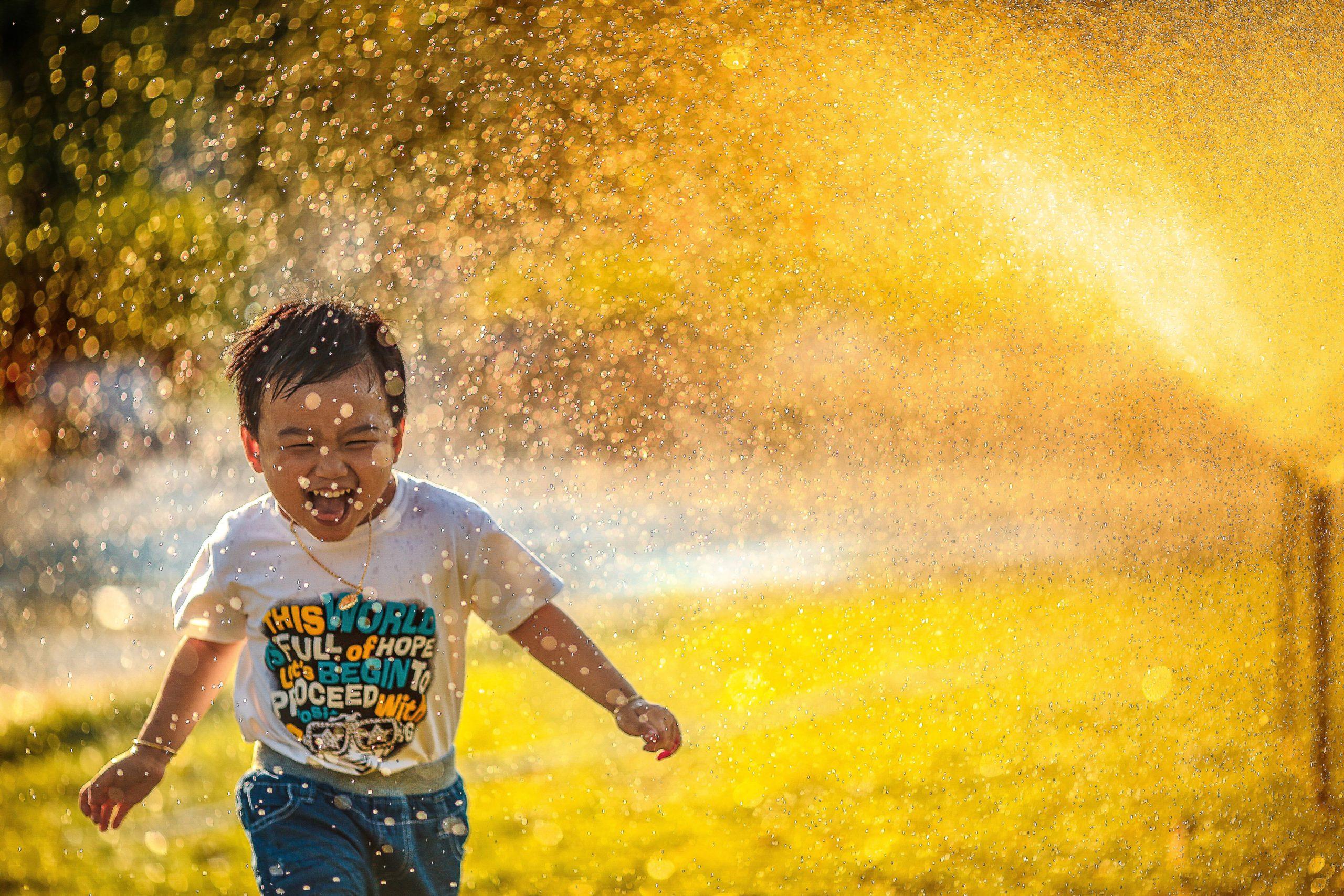Hindi poetry on childhood life - अजूबी बचपन> अर्चना की रचना
